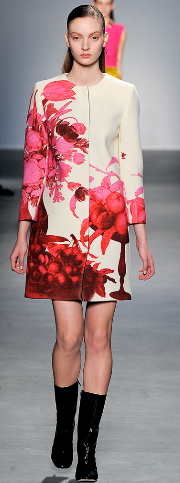 Giambattista Valli Fall 2011 Ready To Wear