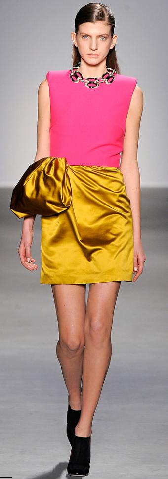 Giambattista Valli Fall 2011 Ready To Wear