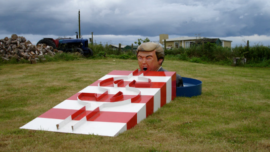 Donald Trump Crazy Putting Golf Sculpture
